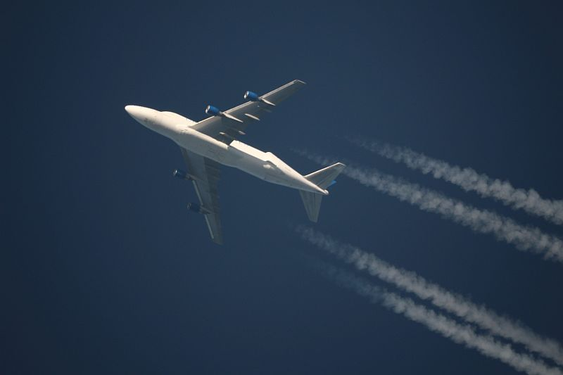 Boeing 747-409(LCF) Dreamlifter in cruising altitude photographed with a 25cm Newton Telescope